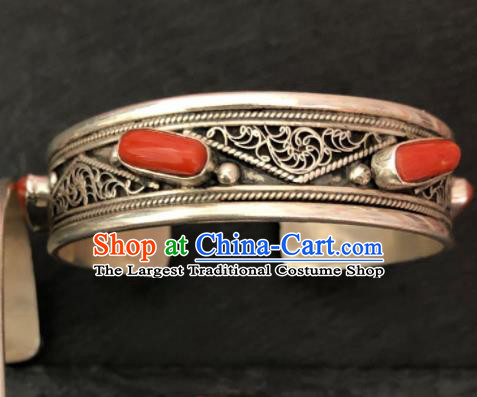 Traditional Chinese Mongol Nationality Sliver Carving Bracelet Accessories Mongolian Ethnic Bangle for Women