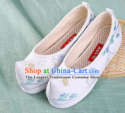 Chinese Traditional Hanfu Cloth Shoes Embroidered Rabbit White Shoes Handmade Ancient Princess Shoes for Women
