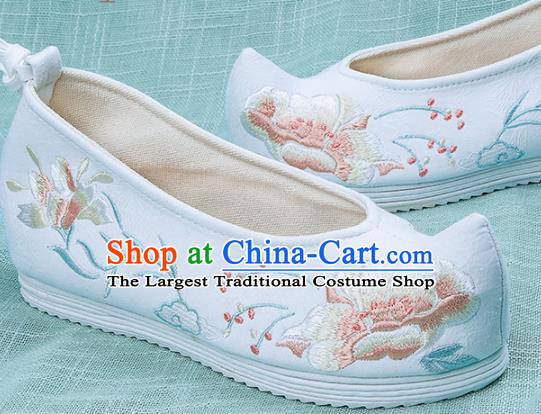 Chinese Traditional Embroidered Peony White Shoes Hanfu Cloth Shoes Handmade Ancient Princess Shoes for Women