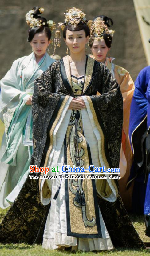 Chinese Traditional Shang Dynasty Queen Hanfu Dress Ancient Drama Hoshin Engi Empress Embroidered Historical Costume and Headpiece for Women