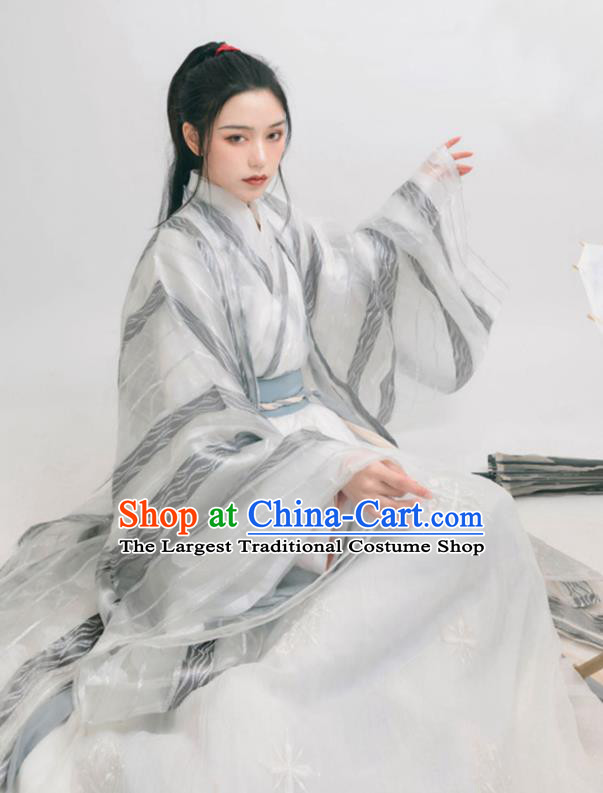 Asian Chinese Jin Dynasty Court Historical Costume Ancient Swordswoman Traditional Hanfu Dress for Women