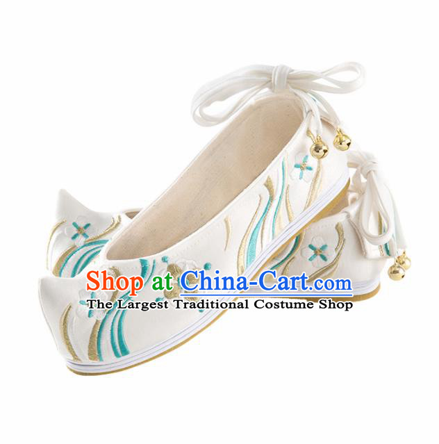 Chinese Ancient Princess Shoes Hanfu Shoes Handmade White Embroidered Shoes for Women