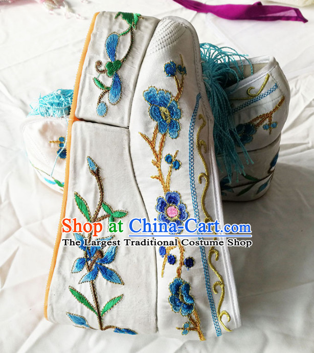 Chinese Traditional Beijing Opera Diva White Shoes Ancient Princess Hanfu Embroidered Shoes for Adults