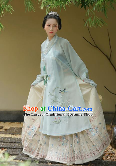 Traditional Chinese Ming Dynasty Embroidered Hanfu Dresses Ancient Court Princess Replica Costumes for Women