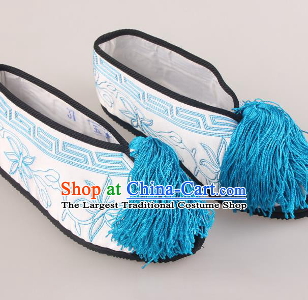 Traditional Chinese Beijing Opera Diva White Embroidered Shoes Handmade Ancient Princess Blood Stained Shoes for Women
