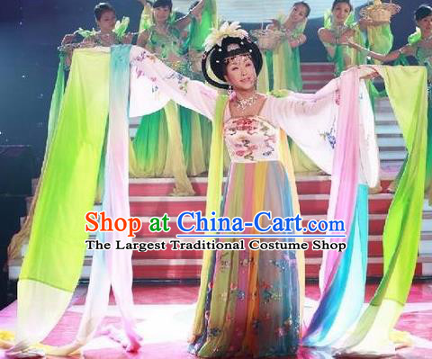 Traditional Chinese Classical Dance Chang E Flying To the Moon Costume Beijing Opera Dance Dress for Women