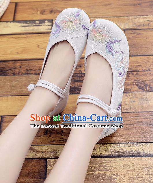 Asian Chinese National White Cloth Shoes Classical Dance Embroidered Shoes Traditional Hanfu Shoes for Women