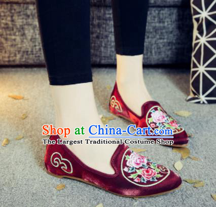 Asian Chinese National Purplish Red Cloth Shoes Embroidered Peony Dance Shoes Traditional Hanfu Shoes for Women
