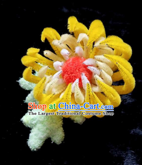 Handmade Chinese Ancient Qing Dynasty Yellow Velvet Chrysanthemum Hairpins Traditional Court Hanfu Hair Accessories for Women