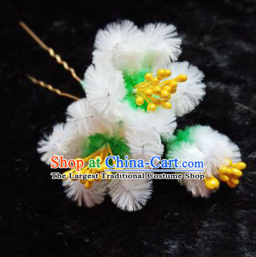 Chinese Handmade Qing Dynasty Court White Velvet Plum Hairpins Traditional Ancient Hanfu Hair Accessories for Women