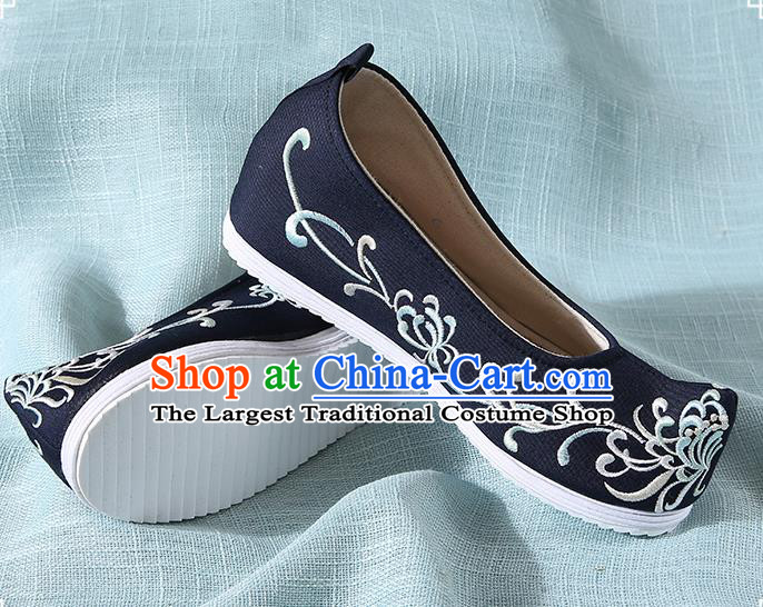 Chinese Handmade Embroidered Chrysanthemum Black Bow Shoes Traditional Ming Dynasty Hanfu Shoes Princess Shoes for Women