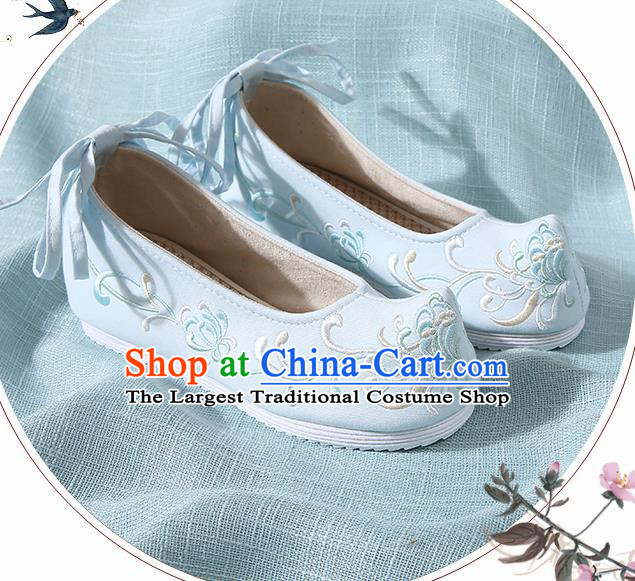 Chinese Handmade Embroidered Chrysanthemum Blue Bow Shoes Traditional Ming Dynasty Hanfu Shoes Princess Shoes for Women