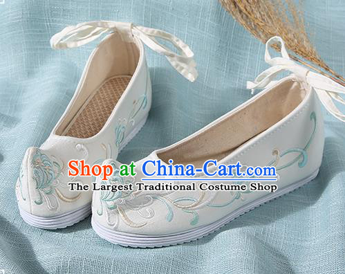 Chinese Handmade Embroidered Chrysanthemum Beige Bow Shoes Traditional Ming Dynasty Hanfu Shoes Princess Shoes for Women