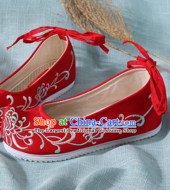 Chinese Handmade Embroidered Chrysanthemum Red Bow Shoes Traditional Ming Dynasty Hanfu Shoes Princess Shoes for Women