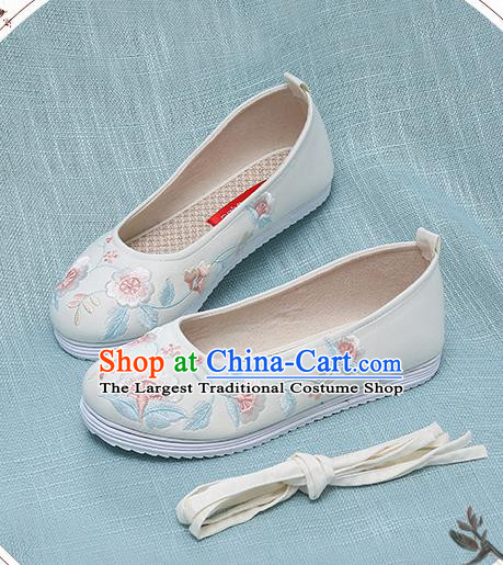 Chinese Handmade Embroidered White Shoes Traditional Ming Dynasty Hanfu Shoes Princess Shoes for Women