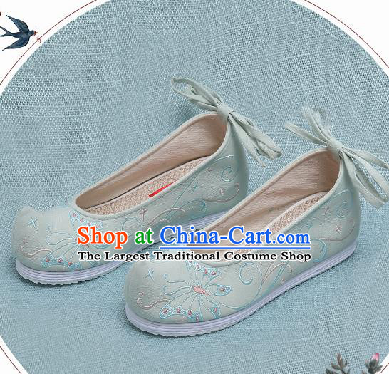 Chinese Handmade Embroidered Butterfly Light Green Bow Shoes Traditional Ming Dynasty Hanfu Shoes Princess Shoes for Women