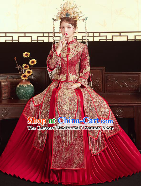 Chinese Traditional Wedding Xiu He Suit Embroidered Red Blouse and Dress Ancient Bride Costumes for Women