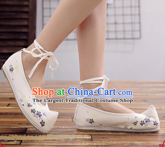 Chinese Handmade Opera Embroidered White Cloth Shoes Traditional Hanfu Shoes National Shoes for Women