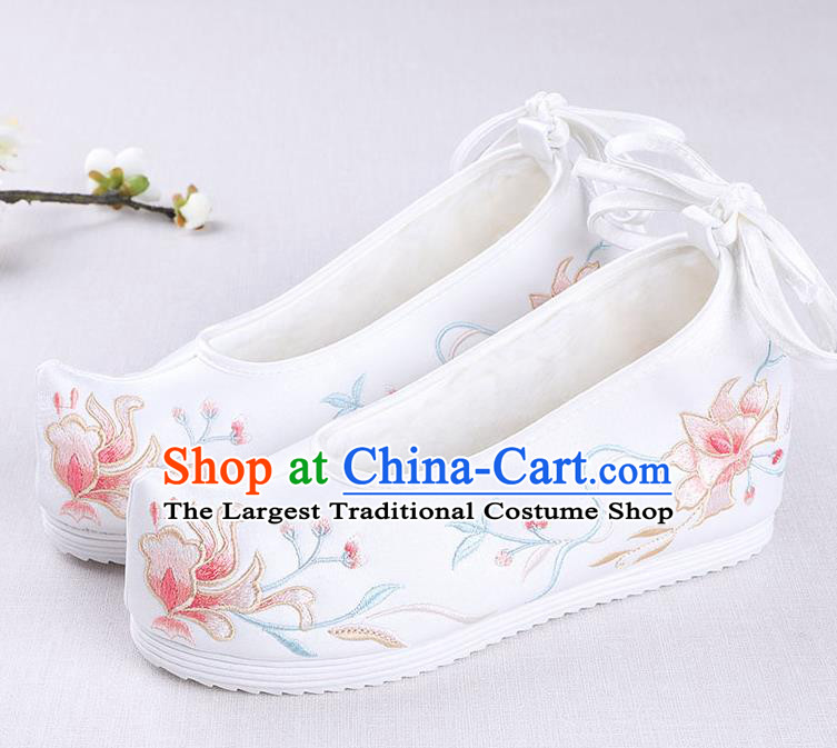 Chinese Handmade Opera Winter White Embroidered Shoes Traditional Hanfu Shoes National Shoes for Women