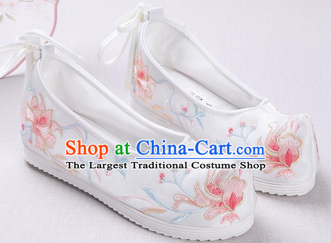 Chinese Handmade Embroidered White Opera Shoes Traditional Hanfu Shoes National Shoes for Women