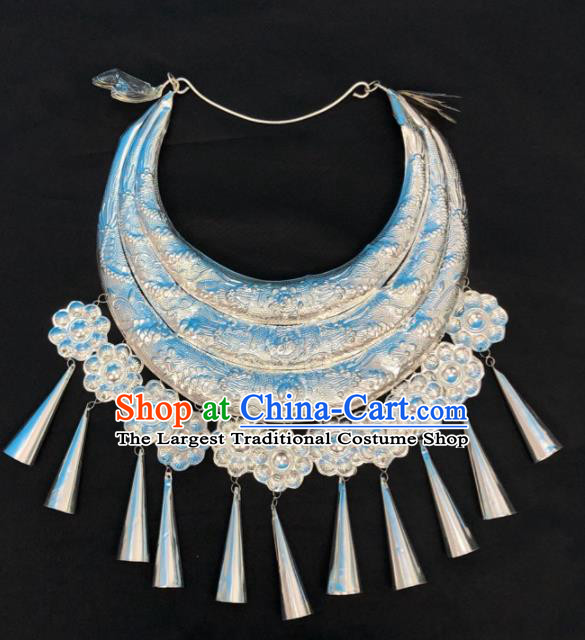 Chinese Handmade Traditional Miao Nationality Bride Silver Carving Necklace Ethnic Wedding Accessories for Women