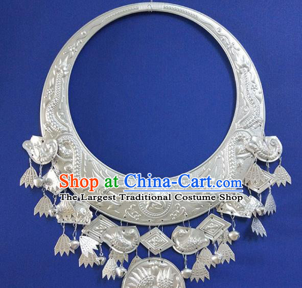 Chinese Handmade Traditional Miao Nationality Sliver Carving Dragon Necklace Ethnic Wedding Bride Accessories for Women