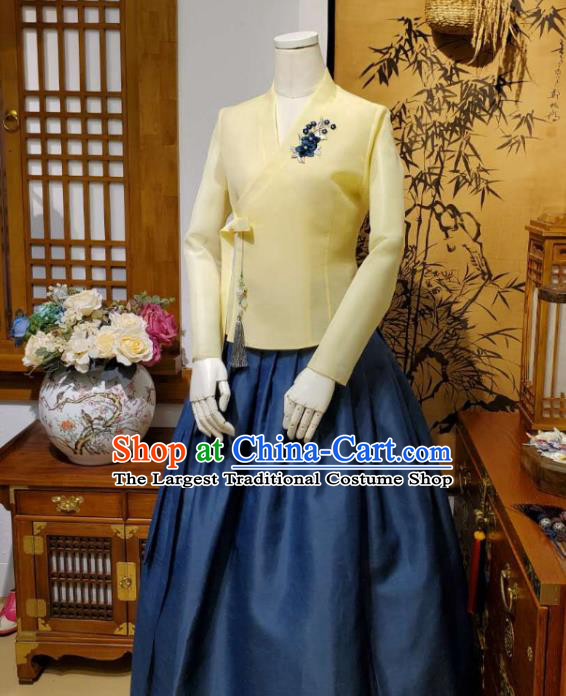 Korean Traditional Female Yellow Blouse and Navy Bust Skirt Asian Korea National Fashion Costumes Women Hanbok Apparels