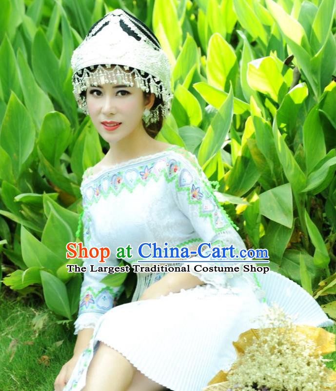 China Guangxi Yao Nationality Apparels Minority Folk Dance Clothing Ethnic Women White Short Dress and Hat