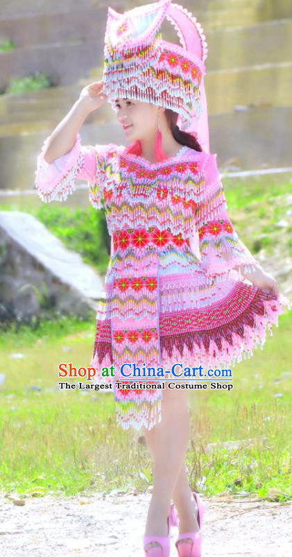 China Nationality Pink Blouse and Short Skirt Yi Minority Folk Dance Clothing Ethnic Women Apparels and Headdress
