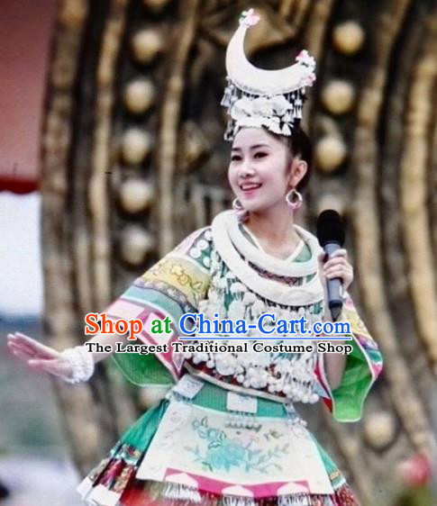 China Minority Embroidered Green Blouse and Short Skirt Traditional Ethnic Folk Dance Apparels Miao Nationality Stage Show Clothing with Headwear