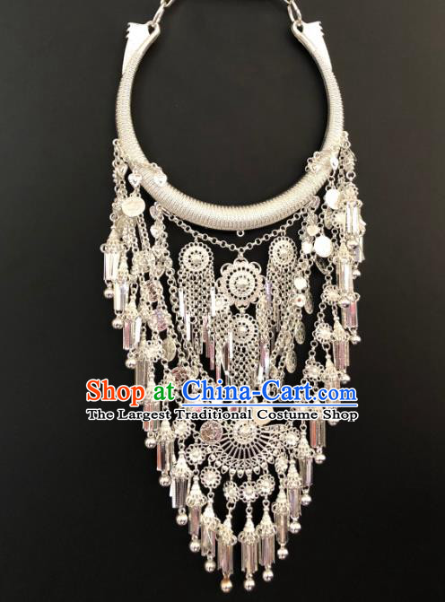 Chinese Yunnan Nationality Silver Necklace Handmade Longevity Lock Accessories Miao Ethnic Bride Jewelry