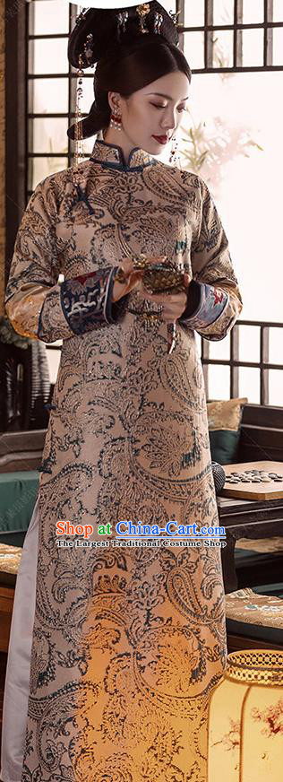Chinese Qing Dynasty Imperial Consort Costumes Ancient Manchu Royal Rani Embroidered Clothing and Hair Accessories