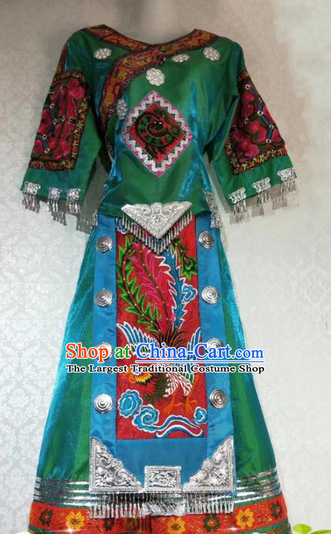 China Hmong Clothing Traditional Ethnic Women Apparels Minority Folk Dance Costumes Miao Nationality Embroidered Green Blouse and Skirt Outfits