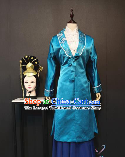 China Traditional Ancient Ming Dynasty Noble Women Costume Drama The Dream of Red Mansions Dame Wang Blue Outfits and Headpieces