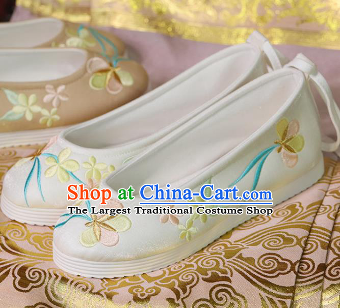 China Beijing White Satin Shoes Handmade Hanfu Shoes Princess Shoes Embroidered Shoes Women Shoes