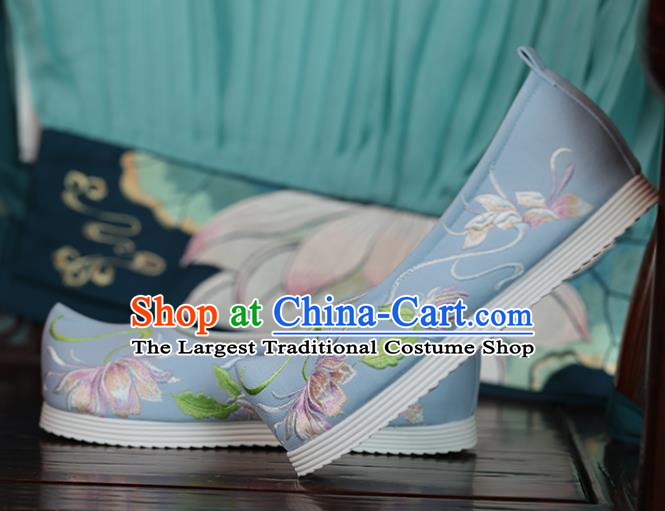 China Princess Shoes Women Shoes Handmade Hanfu Shoes Light Blue Cloth Shoes Embroidered Epiphyllum Shoes