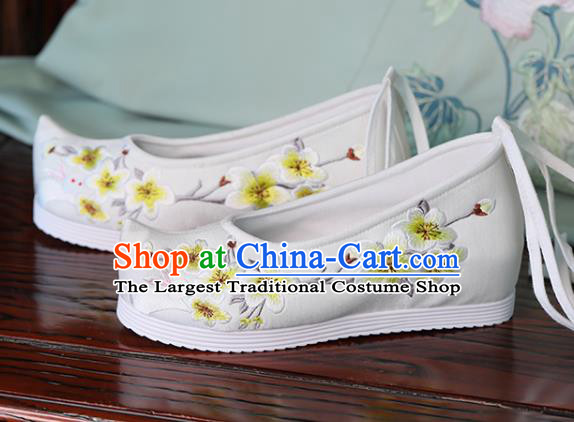 China Embroidered Pear Flowers Rabbit Shoes Hanfu White Bow Shoes Princess Shoes Handmade Cloth Shoes