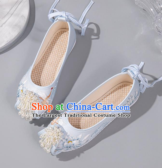 China Handmade Light Blue Satin Shoes Embroidered Epiphyllum Shoes Hanfu Pearls Shoes Ancient Princess Shoes