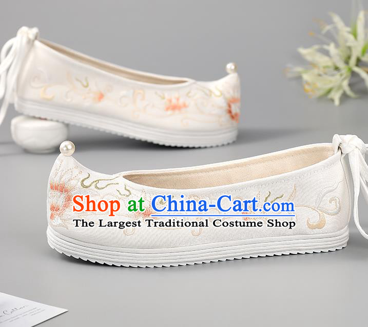China Princess Shoes Ming Dynasty Shoes Traditional Hanfu Shoes Cloth Shoes Embroidered Shoes Pearls Shoes