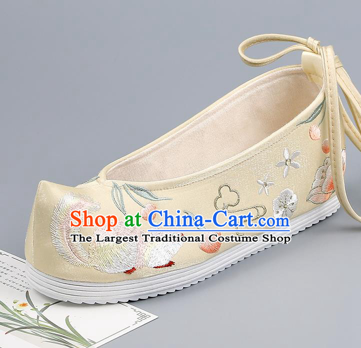 China Yellow Bow Shoes Traditional Hanfu Shoes Handmade Cloth Shoes Ancient Princess Embroidered Squirrel Shoes