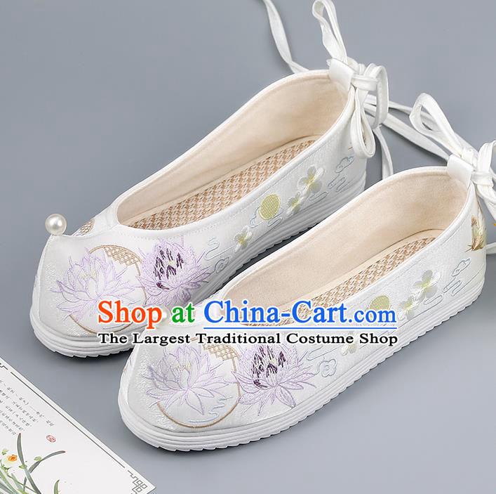 China Traditional Pearl Shoes Hanfu Shoes Ming Dynasty Princess Shoes Embroidered Lotus Shoes White Shoes