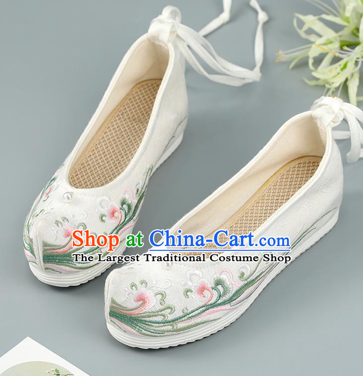 Top China White Embroidered Shoes Handmade National Shoes Traditional Cloth Shoes Hanfu Bow Shoes