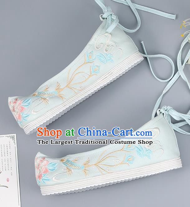 Traditional China National Shoes Handmade Hanfu Shoes Light Blue Cloth Shoes Embroidered Shoes Bride Shoes