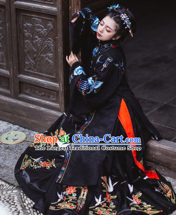 Traditional China Ming Dynasty Noble Countess Historical Costumes Ancient Court Woman Black Hanfu Dress Clothing