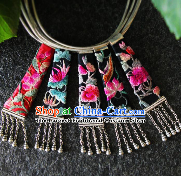 China Ethnic Jewelry Accessories National Embroidered Necklace Women Silver Necklet