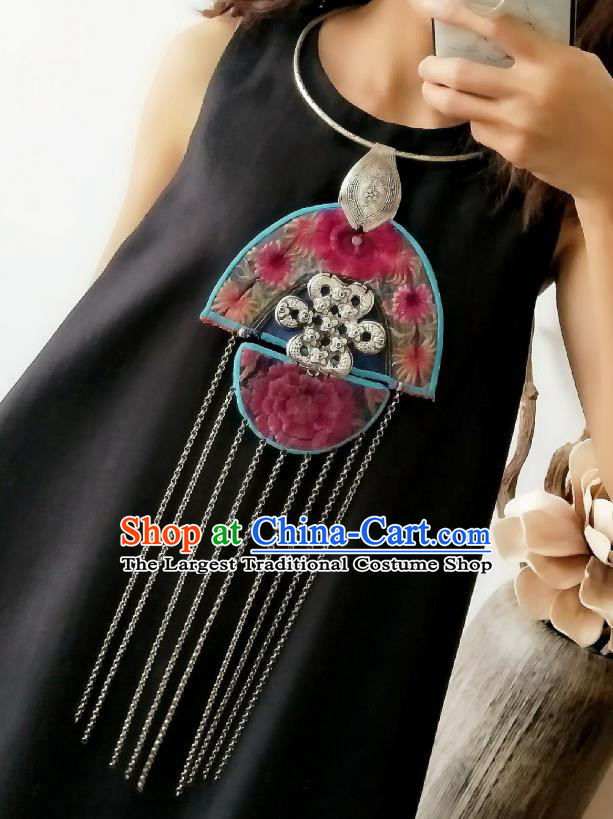 China Miao Ethnic National Silver Tassel Accessories Handmade Traditional Embroidered Necklace
