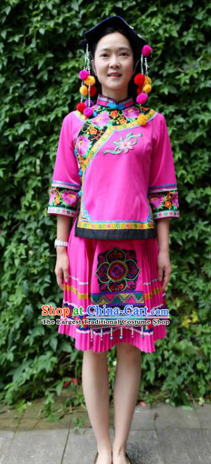 China Ethnic Women Folk Dance Rosy Blouse and Short Pleated Skirt Traditional Yi Nationality Clothing Custom Fashion with Headwear