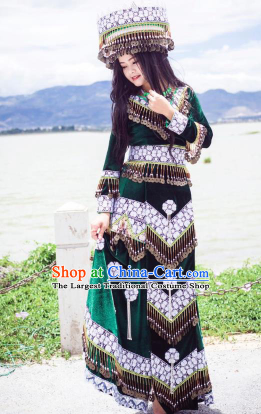 China Ethnic Green Velvet Fashion Miao Nationality Clothing Top Quality Yunnan Minority Costumes and Headpiece