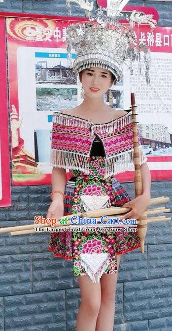 China Ethnic Stage Show Embroidered Costumes Miao Nationality Fashion Top Quality Minority Clothing and Hat