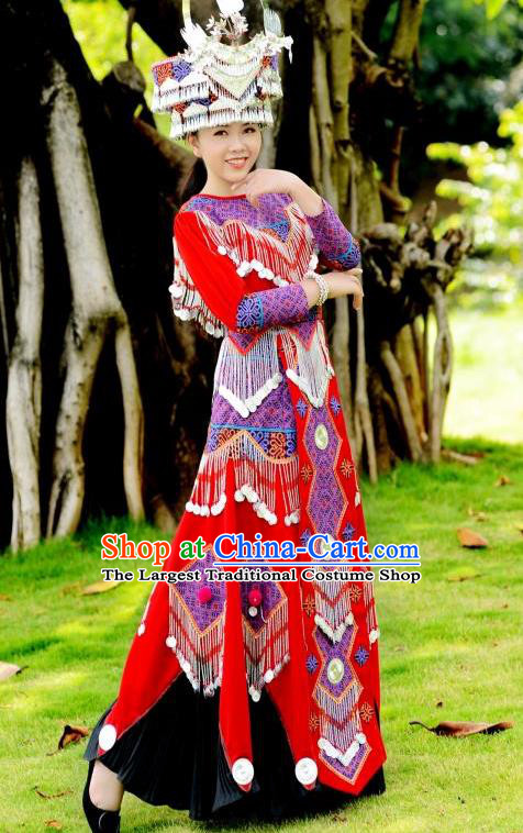 China Yi Ethnic Wedding Apparels Festival Women Red Dress Yunnan Minority Celebration Clothing Folk Dance Costumes and Headdress